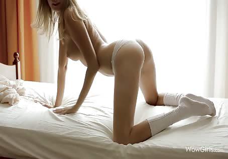 Innocent 18 yo girl teasing - free erotic video