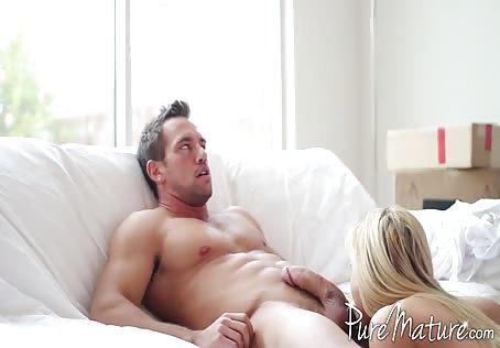 Tall Busty Blonde HD Porn