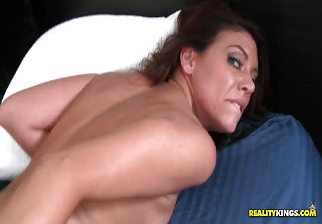 Real Horny MILF Fucked Hard And Received A Cumshot In Mouth