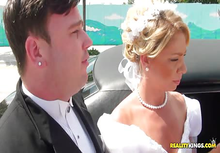 Fucking MILF In A Limo