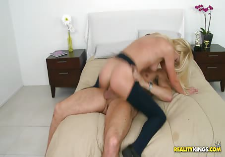 Young American Coed Fucking With A Friend From Europe